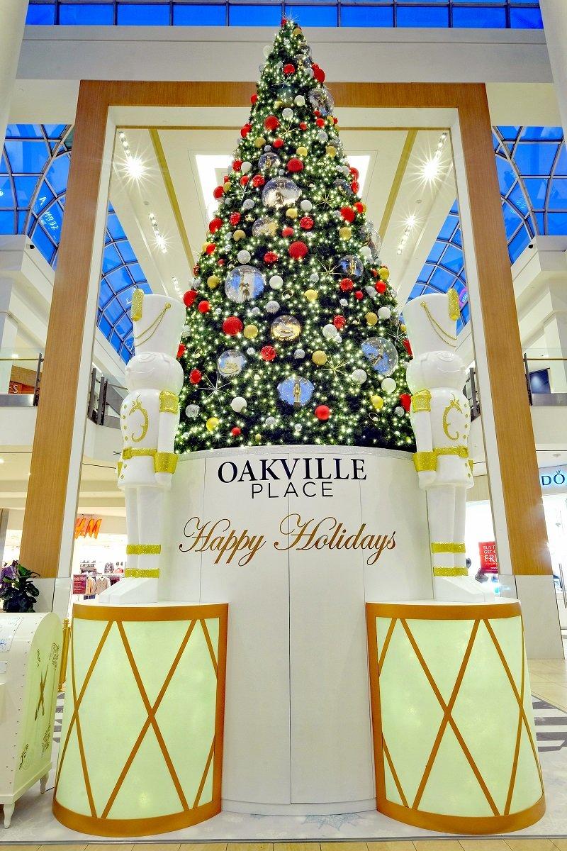 Oakville Place Christmas Decor